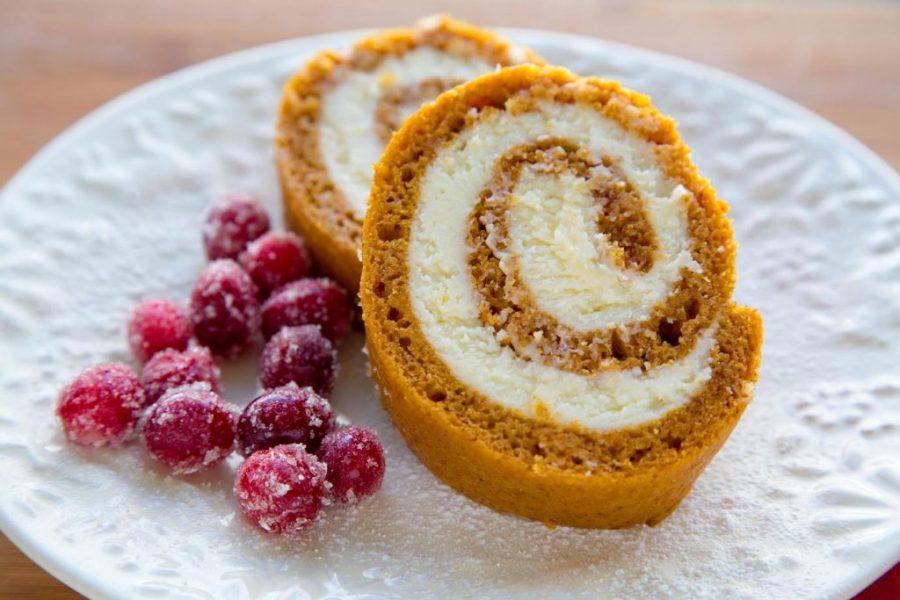Thanksgiving Food Recipe: Pumpkin Rolls
