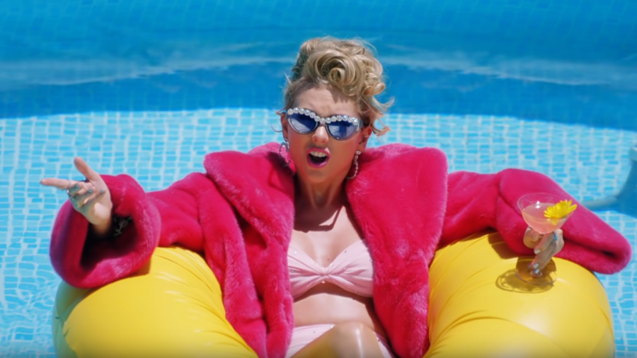 Taylor Swift in the music video for her song
