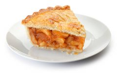 Culinary Club Makes Apple Pie