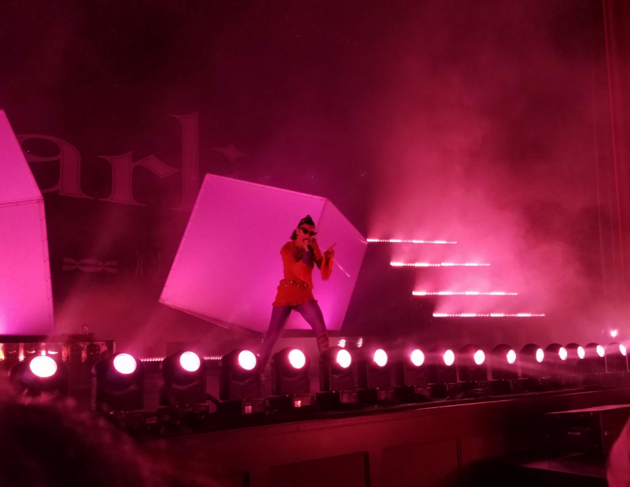 Charli XCX performing Thoughts from her new album, Charli.